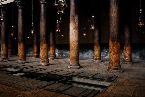 Wnętrze Bazyliki Narodzenia Pańskiego w Betlejem