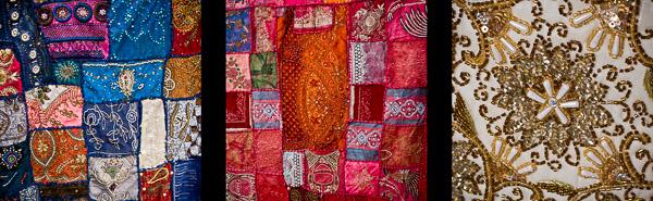 Kolorowe materialy z ozdobnymi wzorami na targu arabskim
