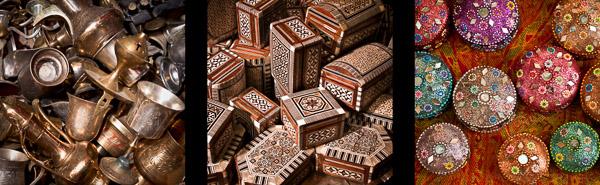 Pamiątki z Jerozolimy sprzedawane na arabskim bazarze