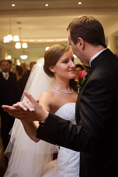 tomasz-bobrzynski-photography-2012-wedding-first-dance-8
